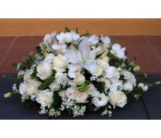 C1 TABLE CONDOLENCE WITH WHITE ORCHIDS & WHITE MIXING FLOWERS