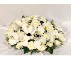 C4 WHITE ORCHIDS WITH WHITE ROSES TABLE CONDOLENCE FLOWER