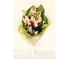 F103 6 PCS PINK ROSES WITH TIGER LILIES BOUQUET