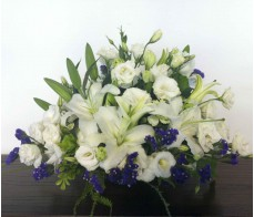 T21 WHITE LILIES TABLE FLOWER