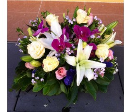 T22 WHITE LILIES WITH PURPLE ORCHID TABLE FLOWER