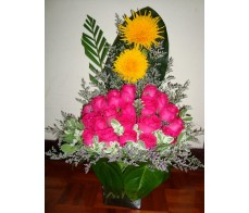 T27 12 PCS DEEP PINK ROSES TABLE FLOWER