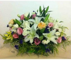 T40 WHITE LILIES WITH MIXED FLOWER TABLE DISPLAY